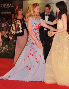 madonna-abbie-cornish-premiere-we-venice-14